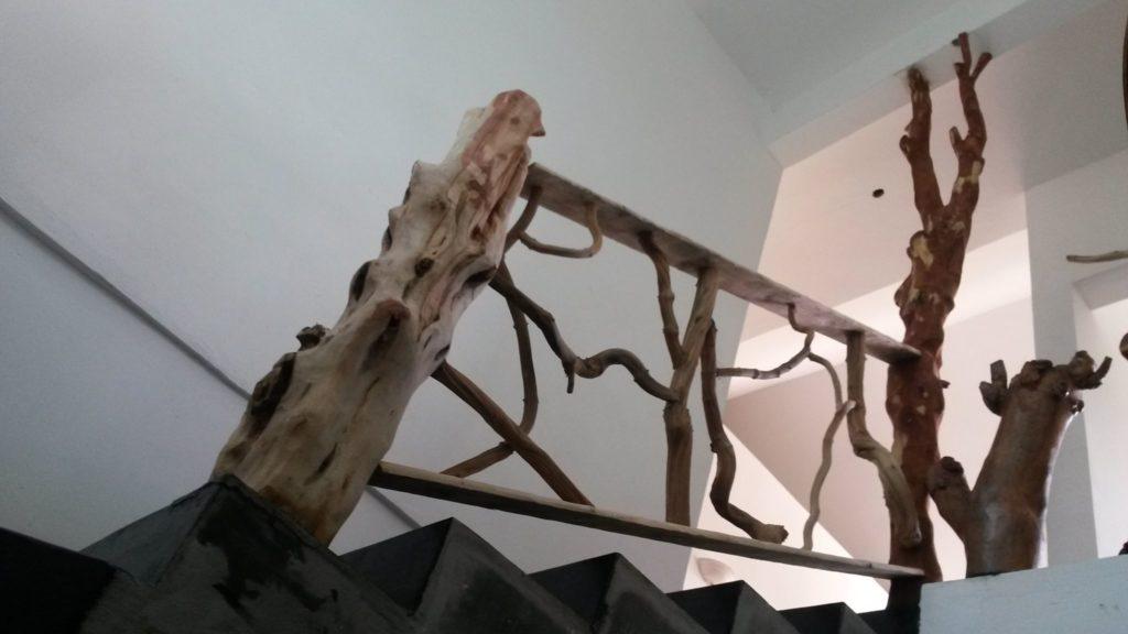 escalier en bois sculpté
