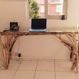 Bureau en bois flotté