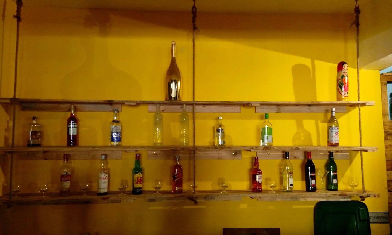 bar balancoire suspendu avec des cordages marins rasta chic. Black Bedroom Furniture Sets. Home Design Ideas
